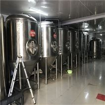 新疆2000精酿啤酒设备