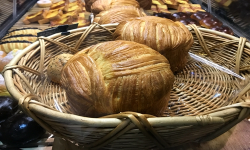 """CP组合""开拓新市场 烘焙设备让面包风味口感兼得"