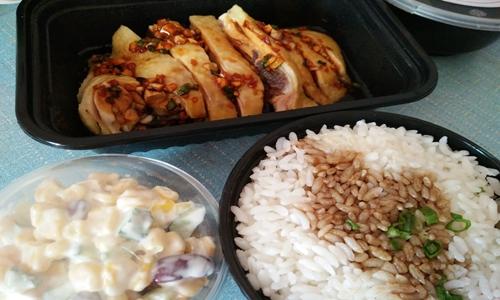 复工晒盒饭不如晒饭盒 你的外卖餐盒绿色环保吗?